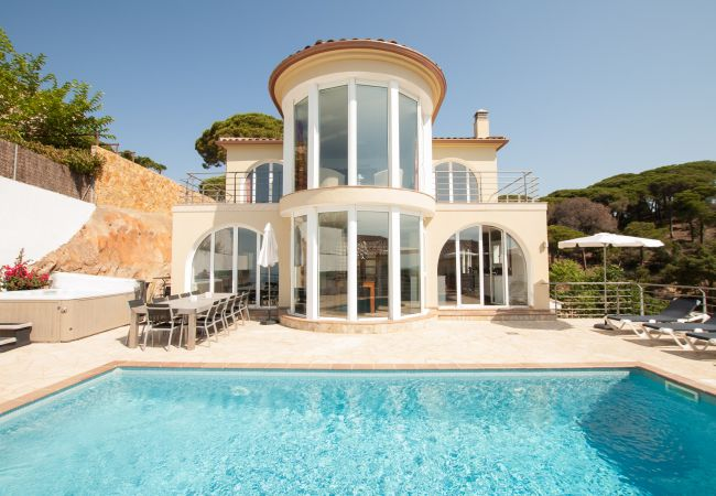 Villa en Lloret de Mar - Villa Gaudi