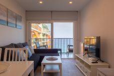 Appartement in Blanes - Apt Miami, beachfront apartment in the center of B