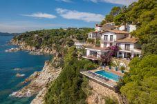 Villa in Lloret de Mar - Villa Mar Blau