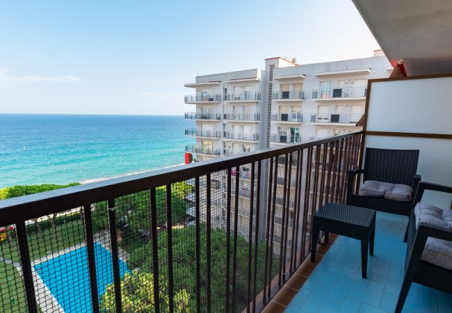 Apartment in Blanes - Apt Miami, beachfront apartment in the center of B